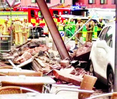 گلاسگو: دھماکے سے دیوار گر گئی، متعدد افراد زخمی