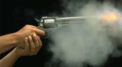 پرنسپل کے طالبہ پر تشدد کیخلاف اہلخانہ مشتعل، مالک پر تشدد، فائرنگ