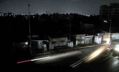 بجلی کا بحران جاری،10 سے16 گھنٹے تک لوڈ شیڈنگ، کاروبار متاثر، لوگوں کا جینا محال