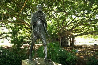 کیلیفورنیا: پارک میں گاندھی کا مجسمہ رکھنے پر سکھوں کا شدید احتجاج