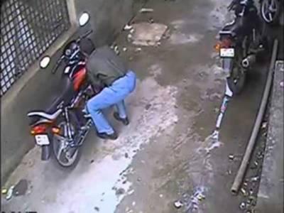 بین الاضلاعی کار و موٹر سائیکل چور شیرو گینگ گرفتار، تینوں ملزم بھائی ہیں