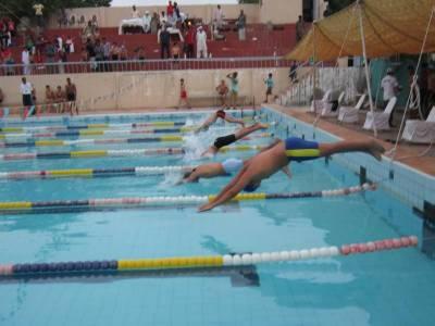 زین یونس نے بہترین تیراک کا ایوارڈ جیت لیا