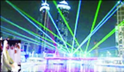 دبئی میں واٹر کینال کا شاندار افتتاح آسمان روشنیوں سے سج گیا