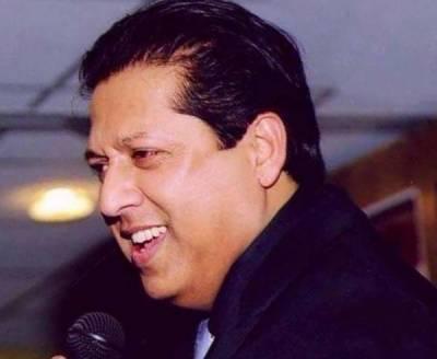گلوکار ارشد محمود برطانوی کمپنی سے معاہدہ کرنے لندن پہنچ گئے
