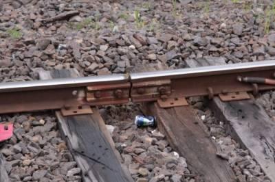 فش پلیٹ ٹوٹنے سے پتھر سپلائی کرنیوالی مال گاڑی ٹریک سے اتر گئی
