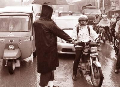 ٹریفک پولیس کی کوششوں سے شہریوں میں قوانین پر عمل کا رجحان بڑھا : سید احمد مبین