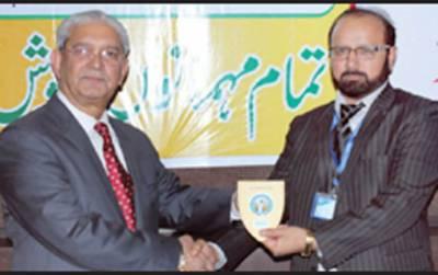زکریایونیورسٹی شعبہ سوائل سائنسز کے ایسوسی ایٹ پروفیسر ڈاکٹر جام نیاز احمد کا اعزاز