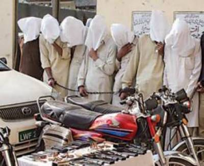 2 ڈاکو گرفتار 13 موٹر سائیکلیں برآمد