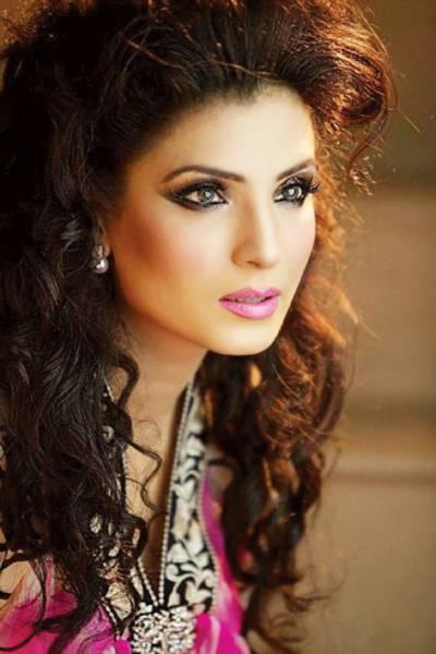 اداکارہ ریشم نے جیون ساتھی کا انتخاب کر لیا، آئندہ سال شادی کا امکان