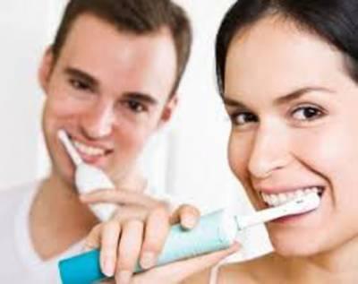 دانت برش کرتے ہوئے نیم گرم پانی کا استعمال کرنا چاہیے، طبی ماہرین