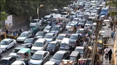 بارش کے بعد وارڈنز کے غائب ہونے پر بدترین ٹریفک جام ، شہری گھنٹوں خوار