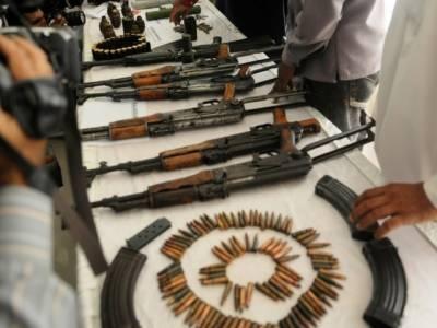 لیاری میں پولیس کے چھاپے' 5 دہشت گرد گرفتار' اسلحہ برآمد