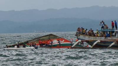 کانگو : کشتی دریا میں الٹ گئی' بچوں خواتین سمیت 27 ہلاک' 54 لاپتہ