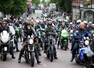 لندن میں تیزاب حملوں کیخلاف سینکڑوں موٹر سائیکل سواروں کا مظاہرہ
