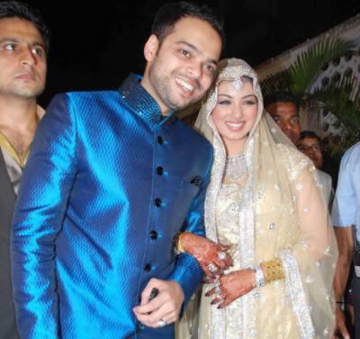 بھارتی اداکارہ عائشہ ٹاکیہ سے شادی کرنے پر مسلمان سیاستدان کے بیٹے کو قتل کی دھمکیاں