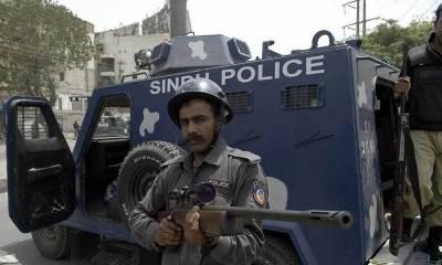کراچی میں فائرنگ ،تشدد ، 2 پولیس اہلکاروں سمیت 4 افراد جاں بحق