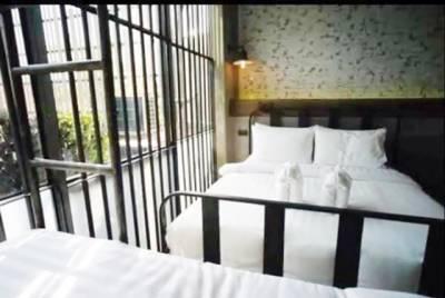 تھائی لینڈ میں جیل نما ہوٹل کھل گیا