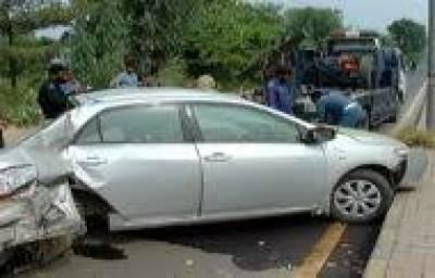 کراچی: مختلف علاقوںمیں تیز رفتار گاڑیوں کی ٹکر سے 3افراد ہلاک