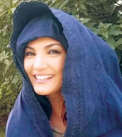 ریحام خان نے پختونوں کا روائتی شٹل کاک برقع اوڑھ لیا