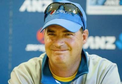 کھلاڑی کارکردگی پر توجہ دیں' ٹیسٹ ٹیم کو پھر سے سرفہرست آنے کی ضرورت ہے: مکی آرتھر