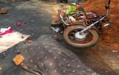 مظفر گڑھ: آئل ٹینکر کی ٹکر سے 3 موٹرسائیکل سوار طالب علم جاںبحق، ایک شدید زخمی