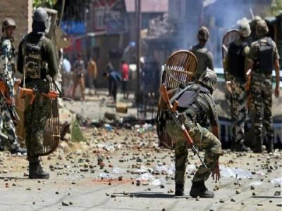 مقبوضہ کشمیر: بھارتی فوج کا 5 شہدا کی میتیں دینے سے انکار، بنک کی کیش وین پر فائرنگ، 2 اہلکار ہلاک
