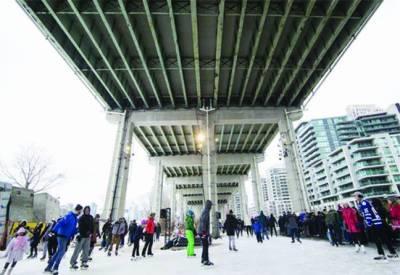 ٹورنٹو: عوام کیلئے آئس سکیٹنگ ٹریل کھل گیا