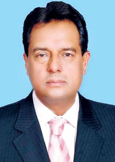عمران خان کا نکاح پڑھانے کیلئے بابا رحمتا بھی موجود ہے، کیپٹن (ر) صفدر