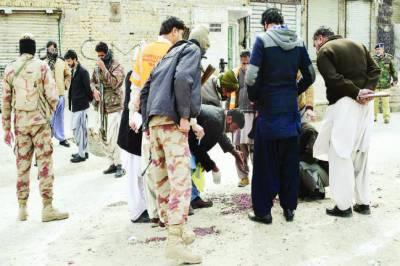 کوئٹہ: دہشت گردوں کی فائرنگ سے 4 ایف سی اہلکار شہید