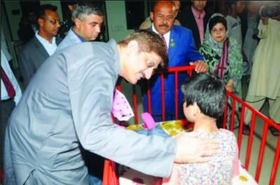 خصوصی بچوں کو ہماری خاص توجہ اور پیار کی ضرورت ہے ، مراد علی شاہ