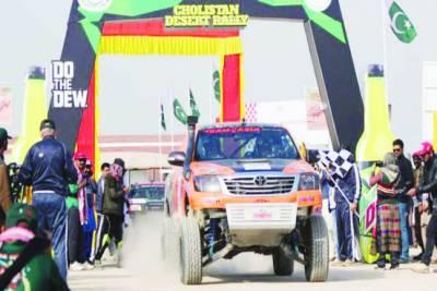 چولستان جیپ ریلی: خواتین ڈرائیورز کی شمولیت توجہ کا مرکز بن گئی