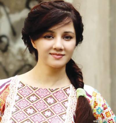 رابی پیرزادہ نے 2 بچوں کی کفالت کرنے کا فیصلہ کر لیا