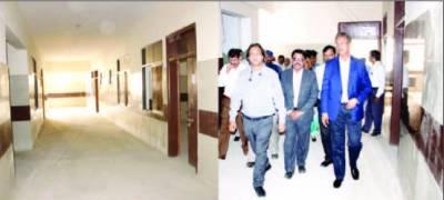 میئر کراچی کا مختلف دفاتر کا اچانک دورہ ملازمین کی غیر حاضری پر برہمی