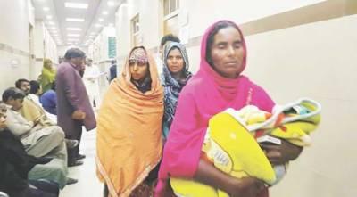 سول ہسپتال رائے ونڈ کی ڈاکٹر کا ڈلیوری سے انکار ، مزدور بیوی کو گھر لے آیا ، باتھ روم میں بچے کی پیدائش