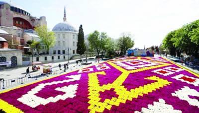 استنبول میں دنیا کا سب سے بڑا قالین تیار