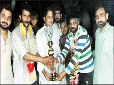 عدنان اصغر اور رانا زبیر مختار نے باروی بیڈمنٹن ٹورنامنٹ جیت لیا