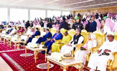 دمام: پاکستانی، بنگلہ دیشی وزرائے اعظم نے ساتھ بیٹھنے کے باوجود رسمی سلام، دعا بھی نہ کی