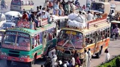 کراچی میں ٹرانسپورٹرز نے از خود کرئے بڑھا دئیے، شہیروں شہریوں میں اشتعال