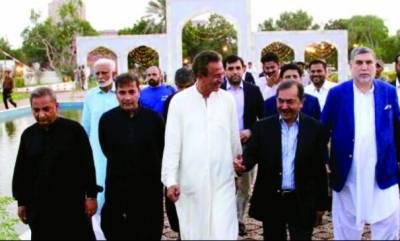 کراچی کی بہتری کیلئے کام کرتے رہیں گے' وسیم اختر کا دعوت افطار سے خطاب