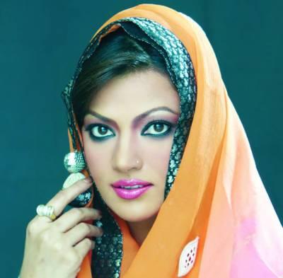 اداکارہ زری شریف پرسوں سندس فاؤنڈیشن میں مستحق افراد میں عیدی تقسیم کرینگی