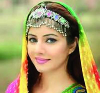 گلوکارہ رابی پیرزادہ نے نئی ویڈیو قوالی ''میری توبہ'' لا نچ کر دی