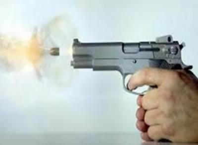 بھٹہ چوک: لڑکیوں سے چھیڑ خانی پر جھگڑا، فائرنگ، 2 افراد زخمی