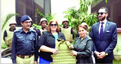 محکمہ جیل سندھ کوامریکی حکومت کاحفاظتی سامان عطیہ