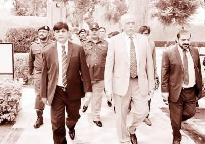 نگران وزیر داخلہ شوکت جاوید کا ڈسٹرکٹ جیل کا دورہ