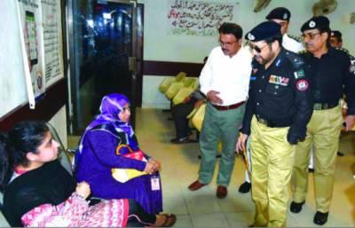 آئی جی سندھ کا دورہ ڈرائیونگ لائسنس کلفٹن