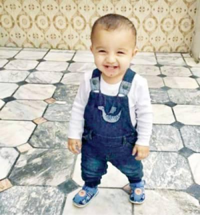 گجرات: ڈیڑھ سالہ بچہ اغواء کے بعد گلا دبا کر قتل، نعش کھیتوں میں پھینک دی