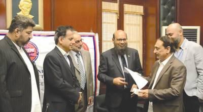 مو بائل فون چھیننے کے واقعات میں کمی ہو رہی ہے ، کمشنر کراچی کا دعویٰ