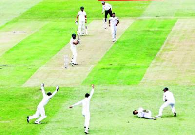 پہلا ٹیسٹ: جنوبی افریقہ 235پر آئوٹ 'سری لنکا نے ایک وکٹ پر 49رنز بنالئے