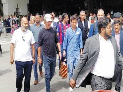 سپین کے فٹبالر کارلیس پیول کی پاکستان آمد'پی ایس ایل فائنل دیکھیں گے