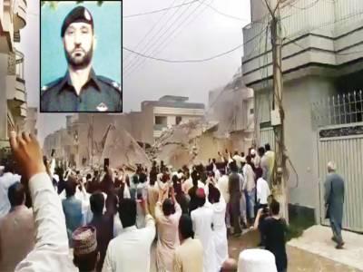 پشاور: 15 گھنٹے طویل آپریشن، 5 دہشت گرد ہلاک ہوئے، شہید اے ایس آئی سپرد خاک